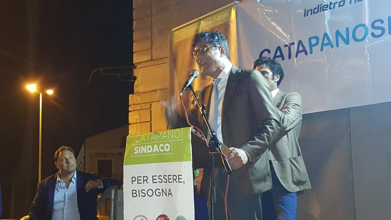 Il sindaco Vincenzo Catapano