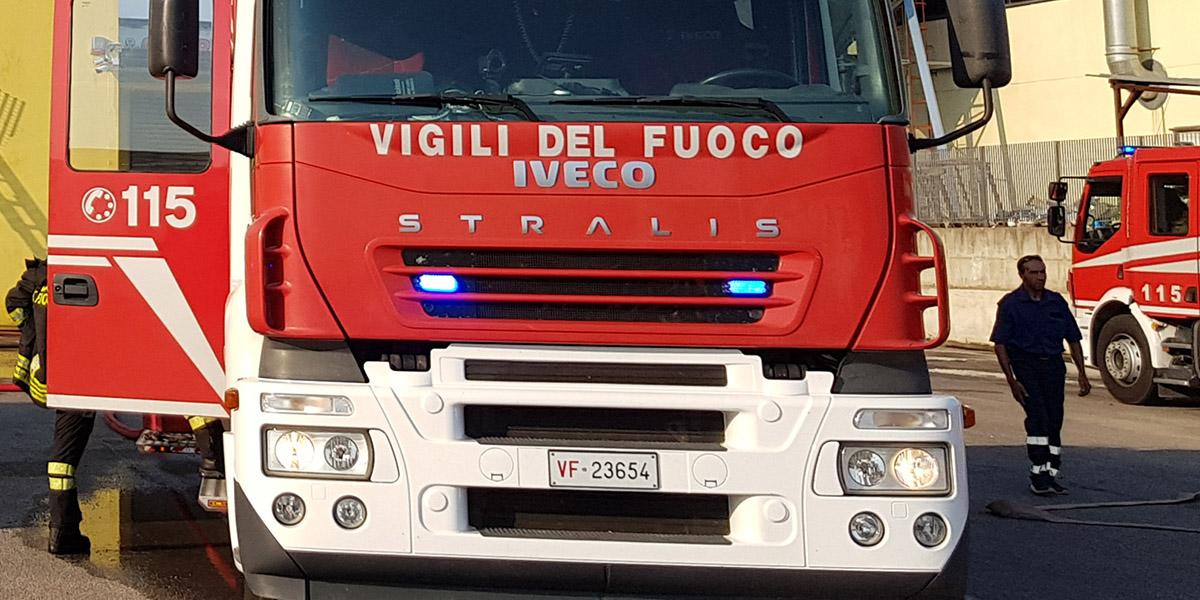 Esplosione sulla tratta Napoli-Salerno, 5 feriti nella galleria ...