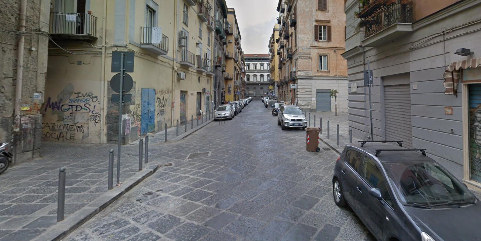 Via Sedile Di Porto 51.Divieto Di Dimora In Campania Per 8 Parcheggiatori Abusivi