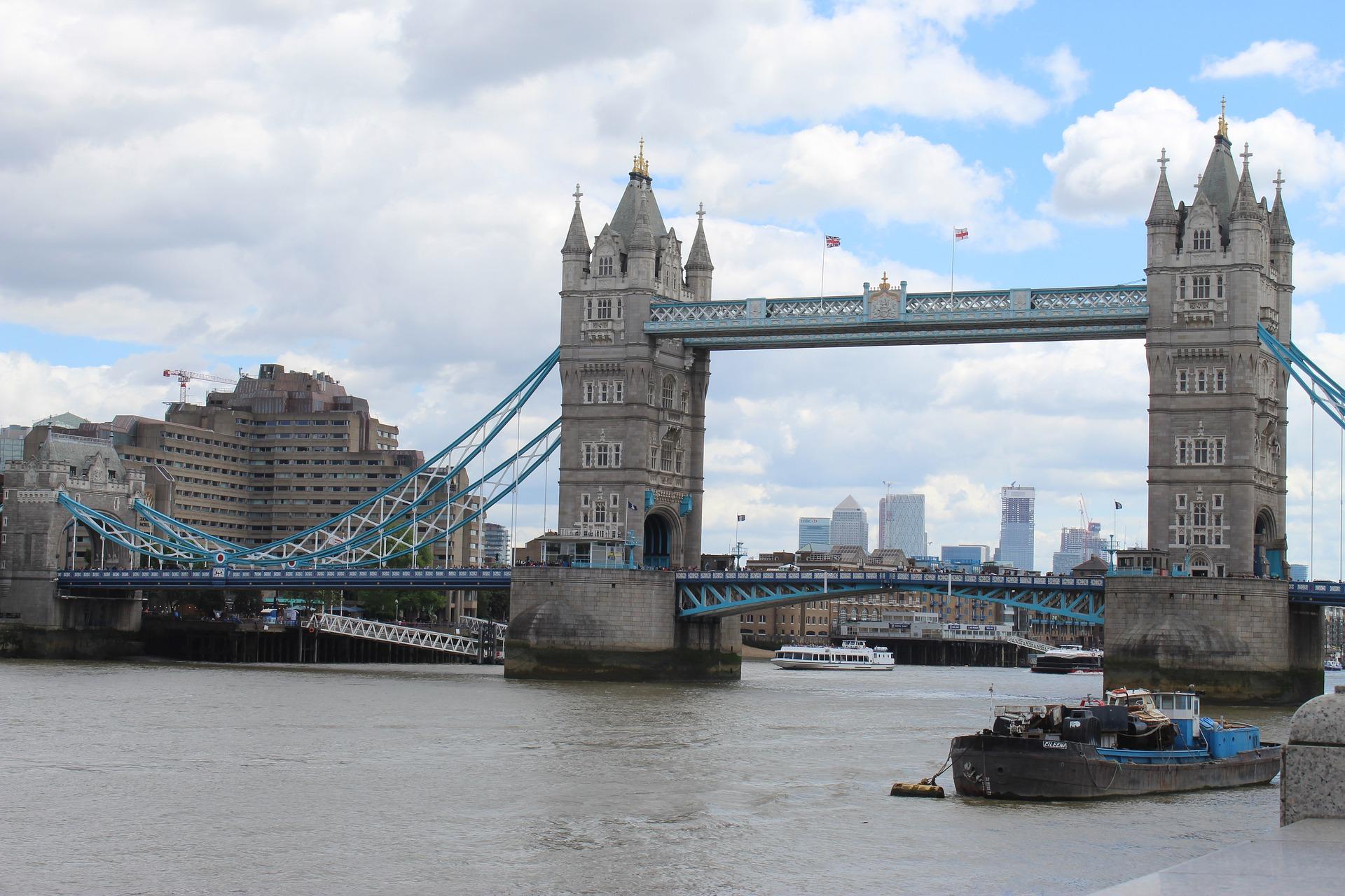 london-bridge-4363598_1920