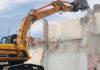 demolizione ruspa