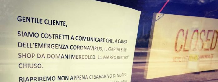 coronavirus negozio chiuso