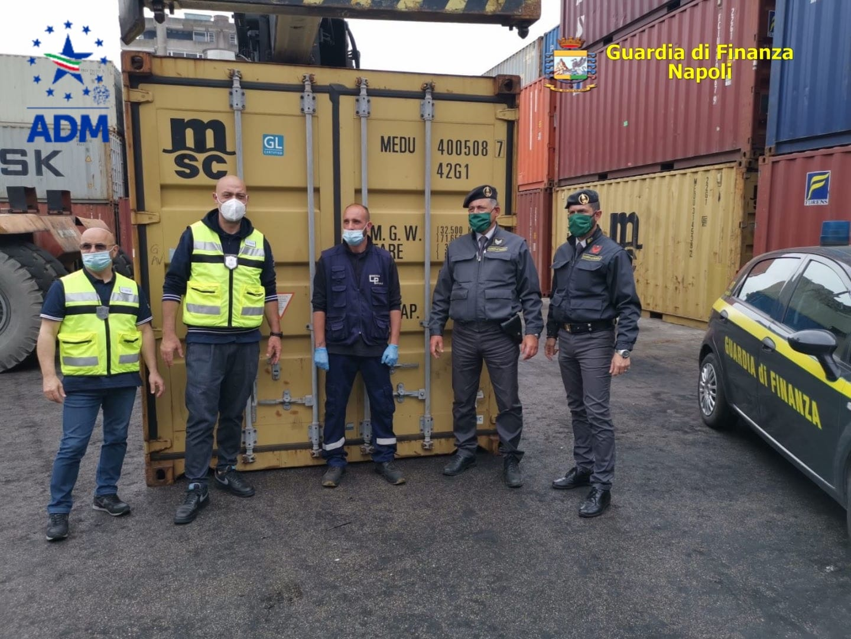 sequestro rifiuti porto di napoli