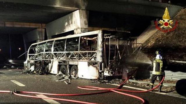 strage bus ungherese